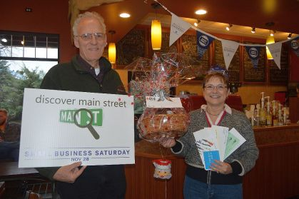 Small Business Saturday and family 054