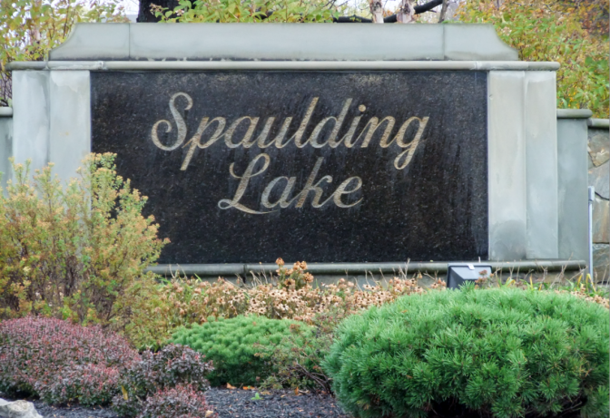 Spaulding Lake sign